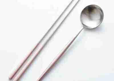 High End Pink Metal Tableware Set