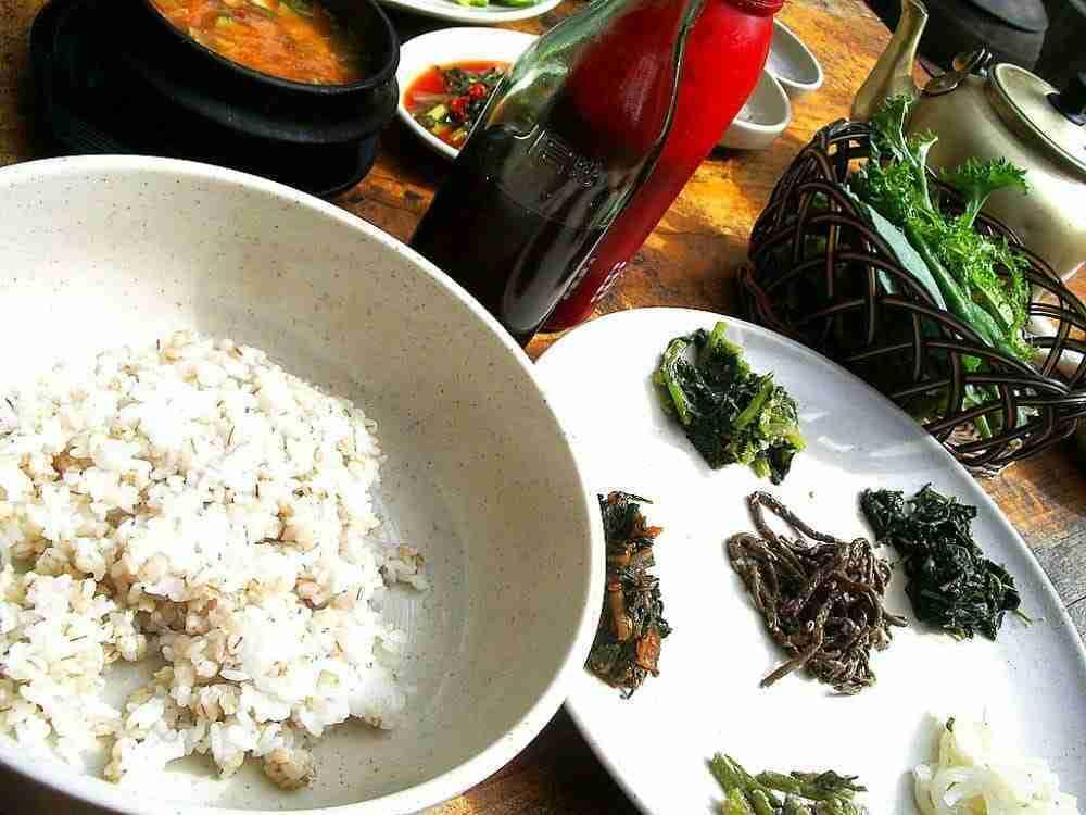3 popular korean diet foods - Boribap